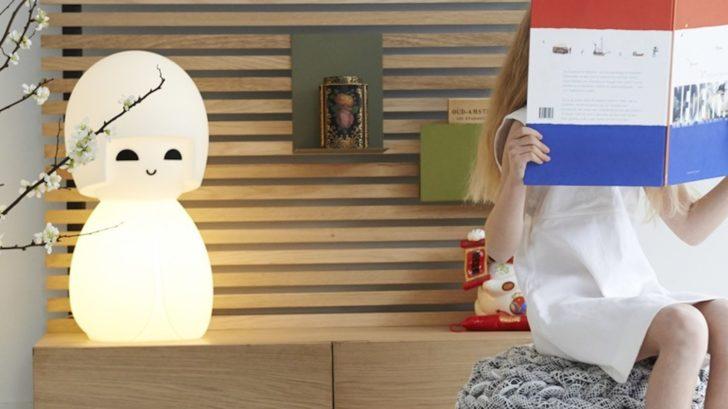 lampe-japonaise-kokeshi-de-jannes-hak-et-lennart-bosker-mr-maria-nedgis-728x409.jpg