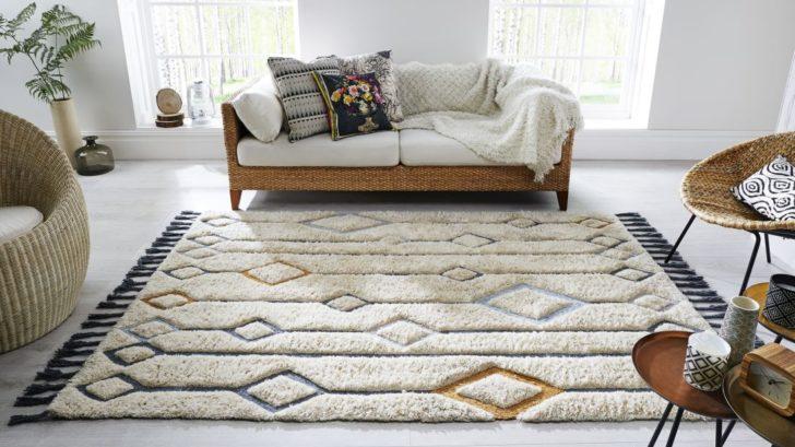 koberec-s-plastickym-povrchem-snadno-premistite-728x409.jpg