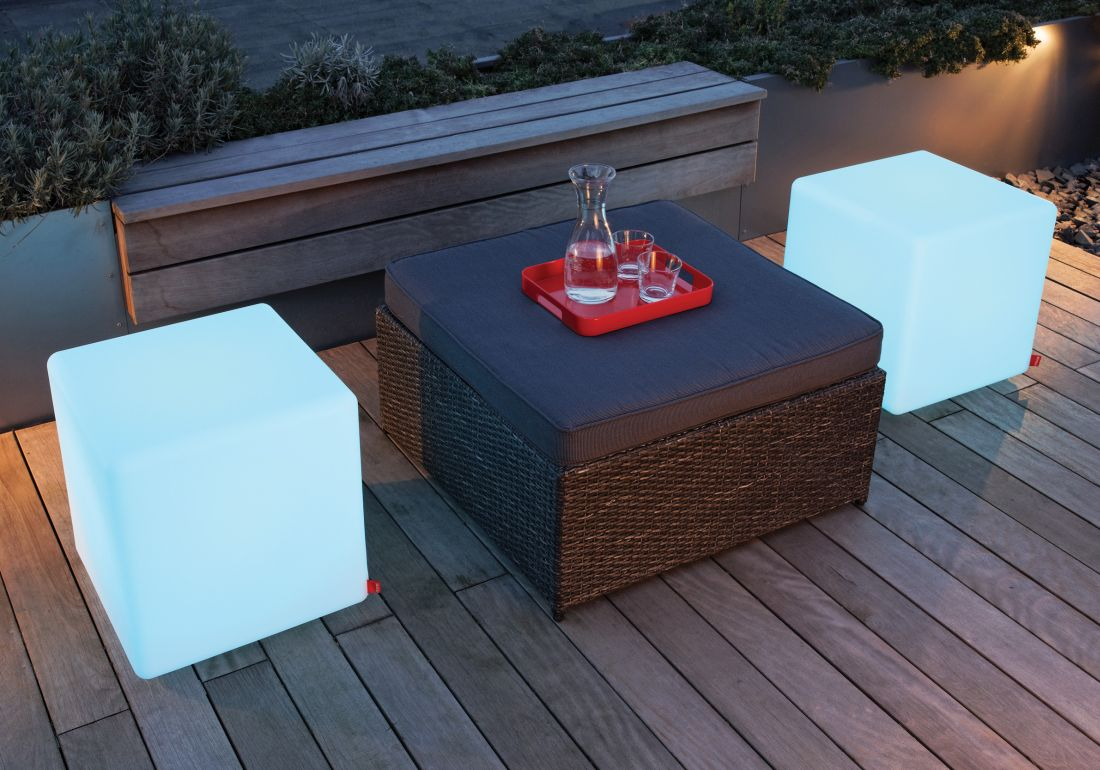 15lime-lace_outd2oor-cube-light-up-table-moree.jpg