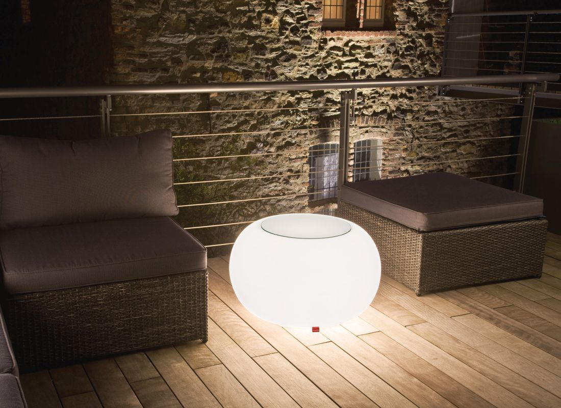 16lime-lace_outdoor-bubble-light-up-table-moree.jpg