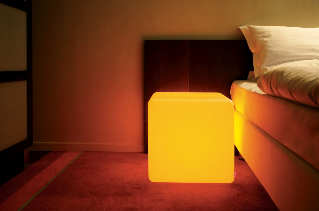 18lime-lace_multicoloured-indoor-led-cube-table-moree.jpg