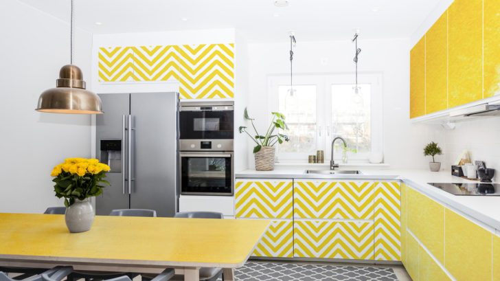 1pixers_lemon-kitchen-_-colorful-kitchen-728x409.jpg