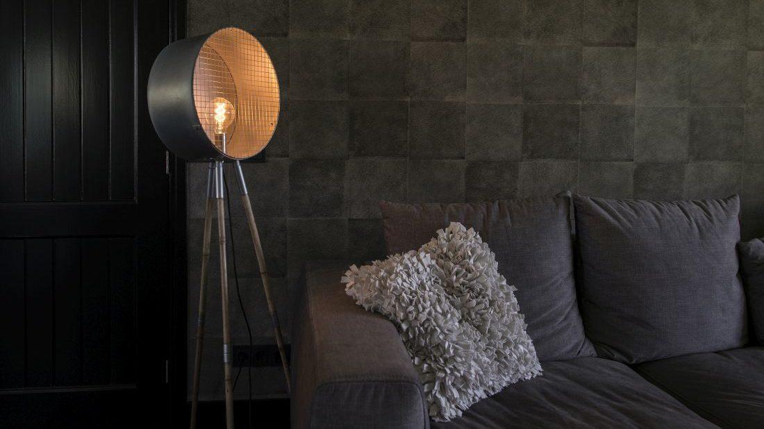 21qazqa_vintage-round-floor-lamp-tripod-bamboo-with-zinc-barrel-1100x618.jpg