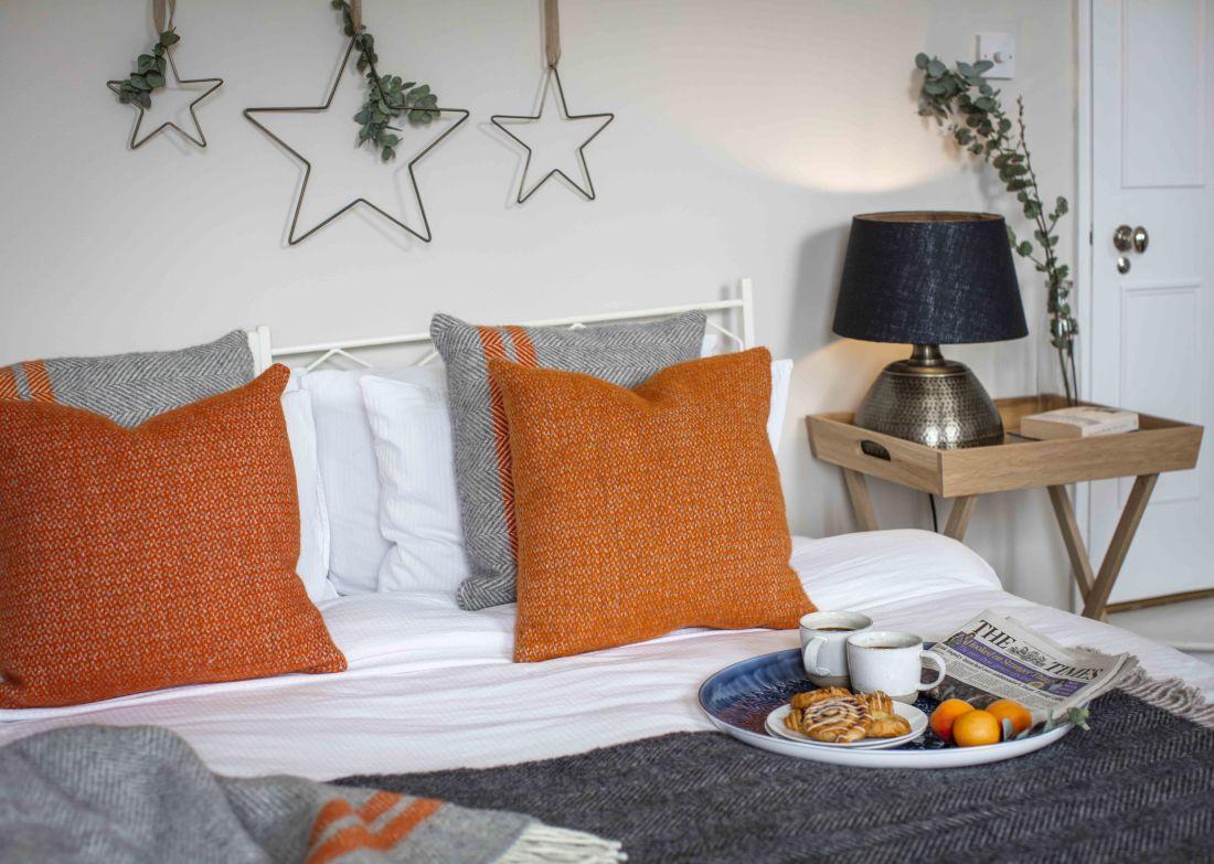 5garden-trading-aw19-christmas-breakfast-in-bed.jpg