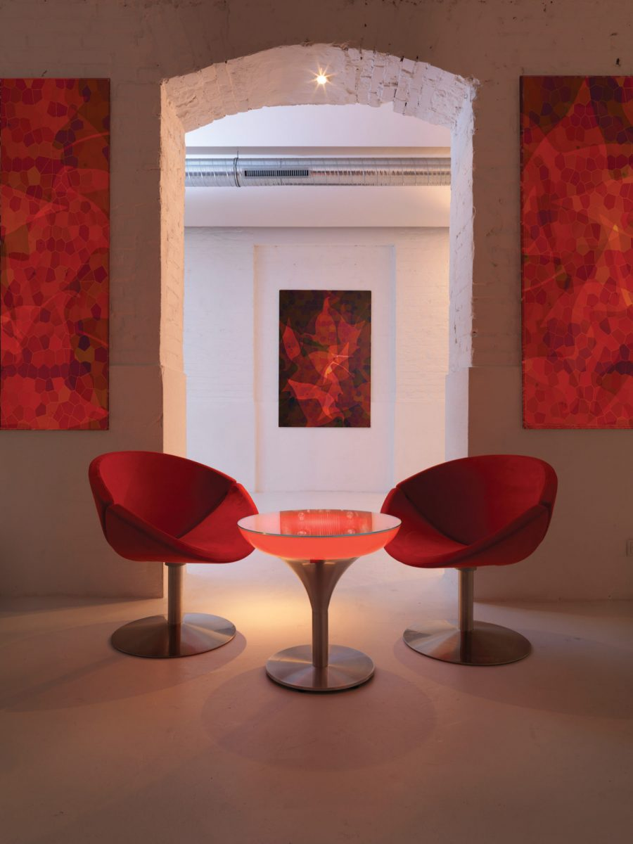 8lime-lace_indoor-lounge-m55-light-up-table-moree-1200x1200.jpg