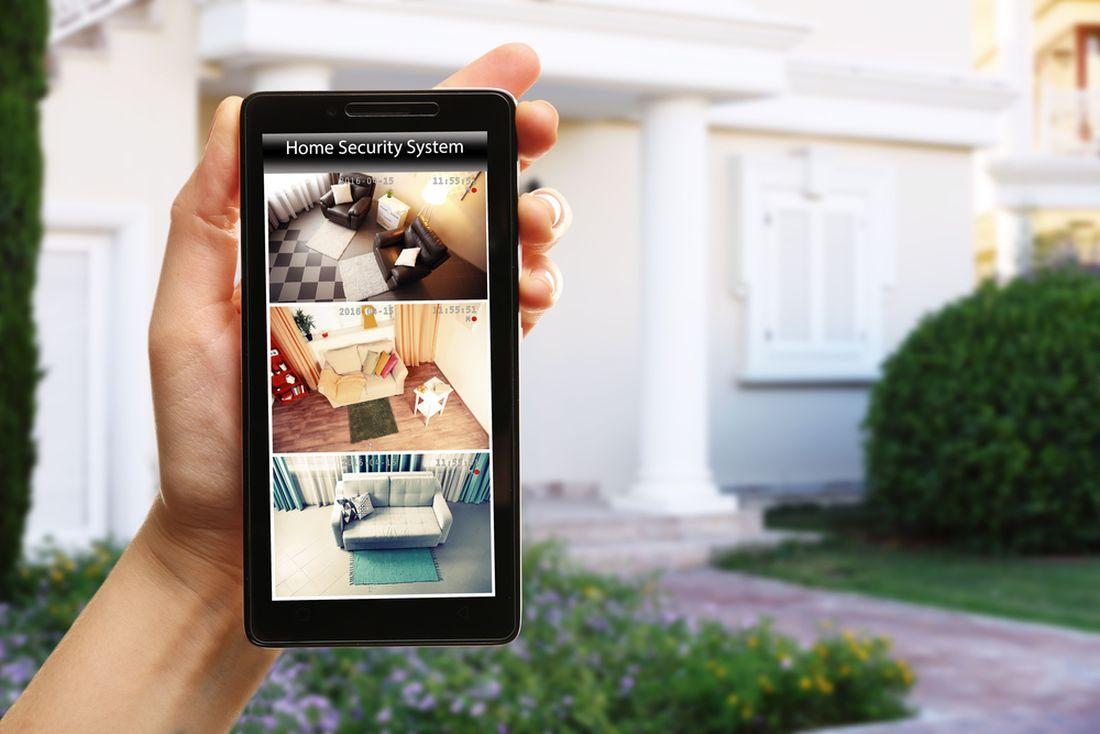 pokud-budou-kamery-dostupne-pres-internet-dbejte-na-jejich-spravne-zabezpeceni-proti-sledovani-treti-osobou.jpg
