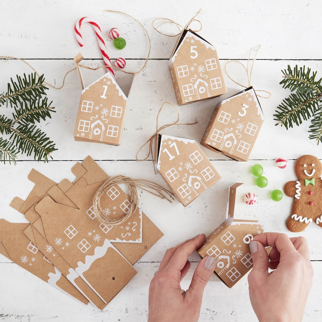 14ginger-ray_kraft-gingerbread-house-advent-boxes-let-it-snow.jpg