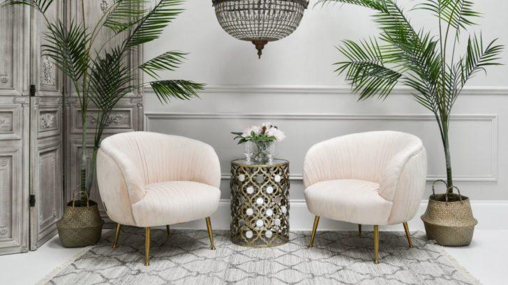 14sweetpeaampwillow_hepburn-armchair-pink-velvet-728x409.jpg