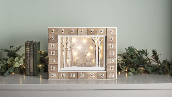 1lights4fun_wooden-illuminated-christmas-advent-calendar-728x409.jpg