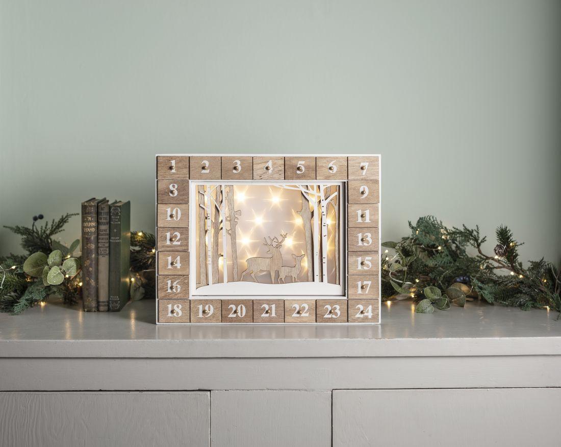 1lights4fun_wooden-illuminated-christmas-advent-calendar.jpg