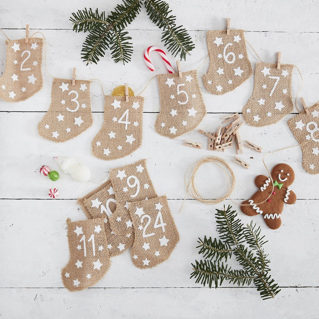 20ginger-ray_hessian-stocking-fill-your-own-advent-calendar-let-it-snow.jpg
