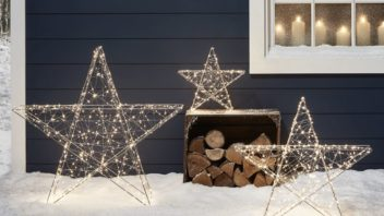 21lights4fun_christmas-cabin-micro-light-outdoor-star-trio-lifestyle-352x198.jpg
