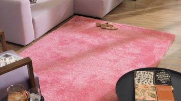 23tom-tailor_heaven-sofa-in-rosa-amp-teppich-soft-in-pink-352x198.jpg