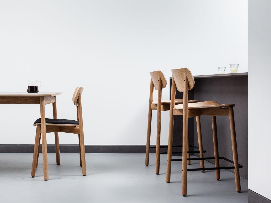 2lima-lace_otis-solid-oak-bar-stool.jpg