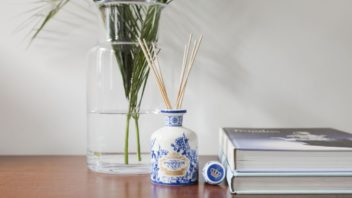 3the-french-bedroom_gold-amp-blue-fragranced-room-diffuser-by-portus-cale-cut-out-352x198.jpg
