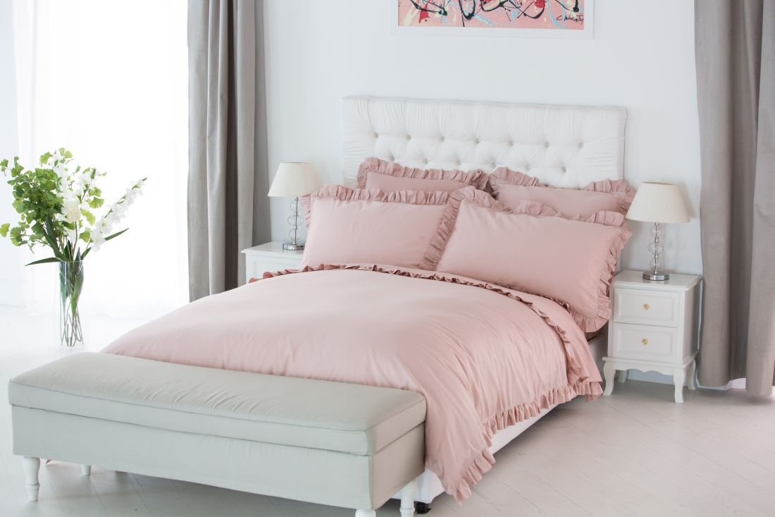 4the-french-berdoom-co_benedetta-300-luxury-ruffle-vintage-rose-bed-linen-lifestyle.jpg