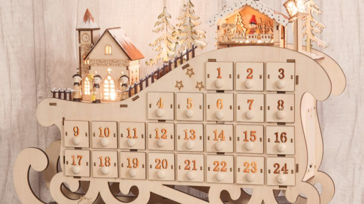 5post-bananas-gifts_natural-wood-christmas-advent-calendar-light-up-village-scene-decorationornament-728x409.jpg