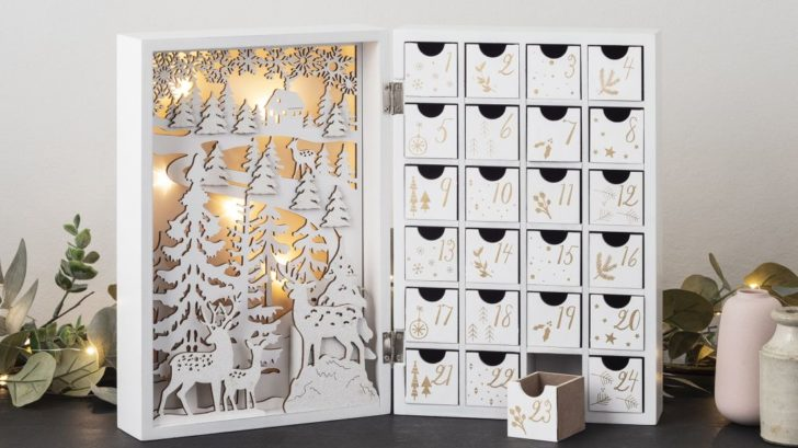 6lights4fun_handmade-white-fold-out-led-christmas-advent-calendar-728x409.jpg