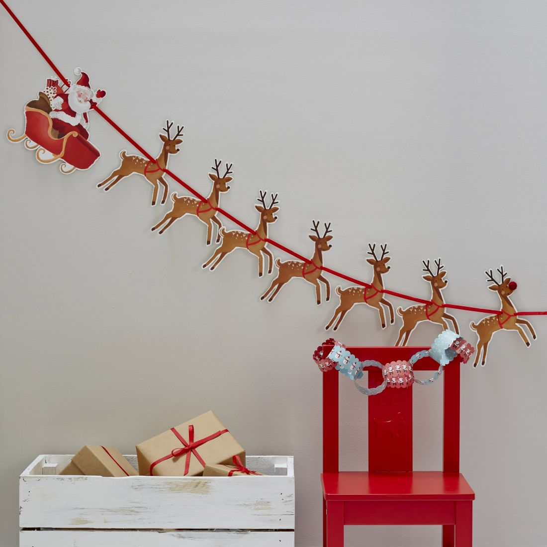 16ginger-ray_father-christmas-amp-rudolf-kids-bunting.jpg