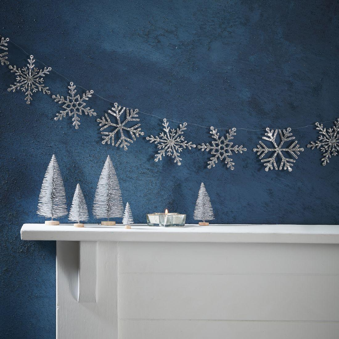 20ginger-ray_silver-glitter-slowflake-garland-silver-christmas.jpg