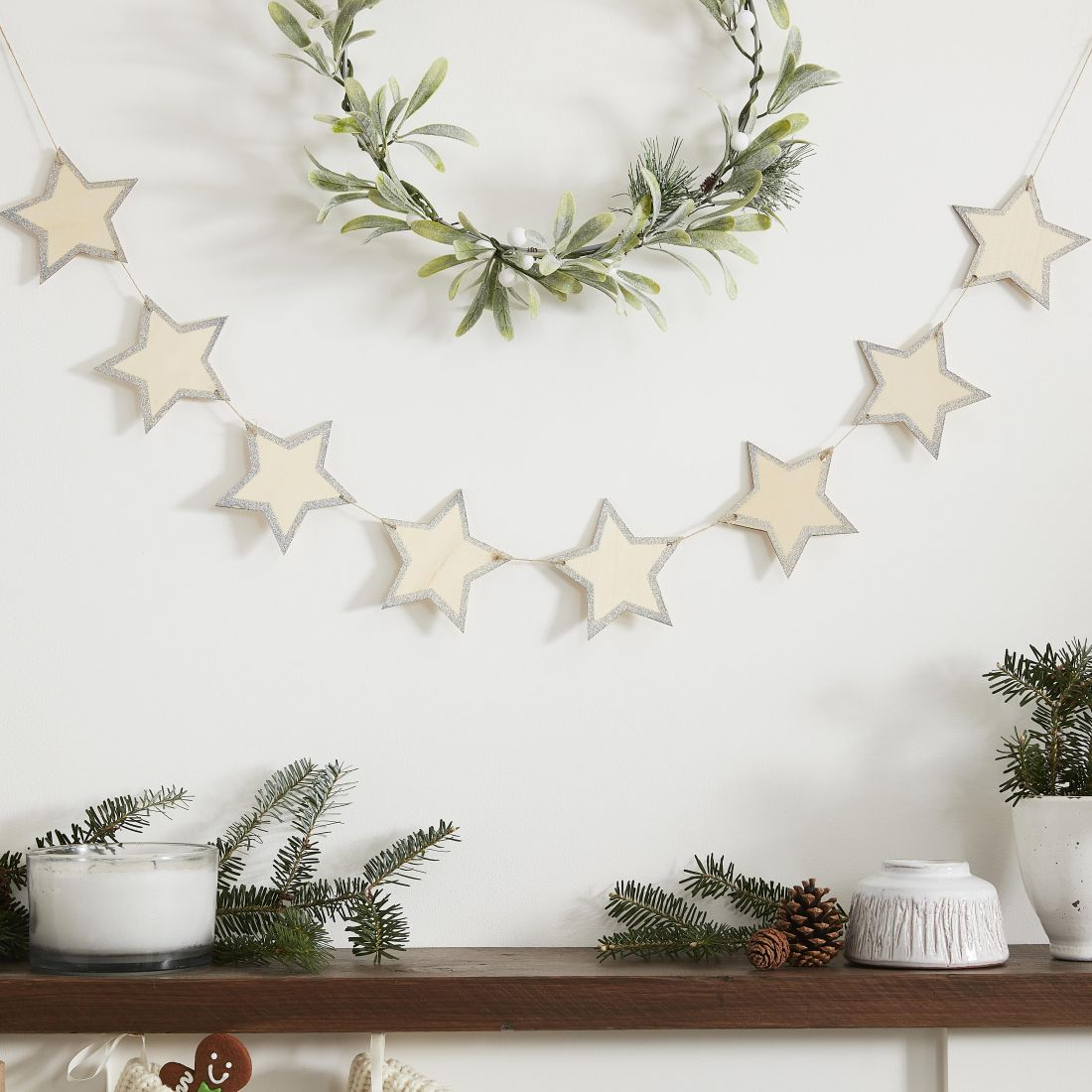 23ginger-ray_wooden-star-bunting-with-glitter-edges-let-it-snow.jpg