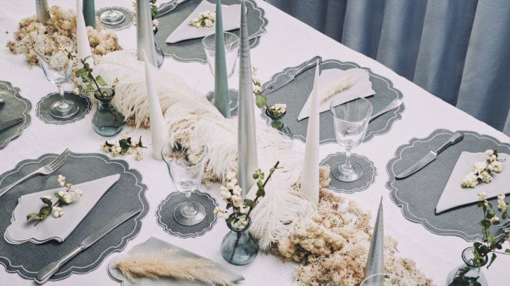 25rebecca-udall_nordic-noĂl-christmas-tablescape-728x409.jpg