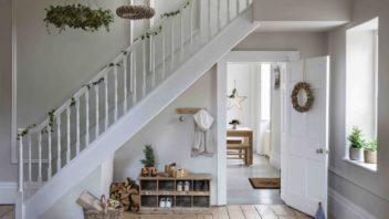 2garden-trading-aw19-christmas-hallway-352x198.jpg
