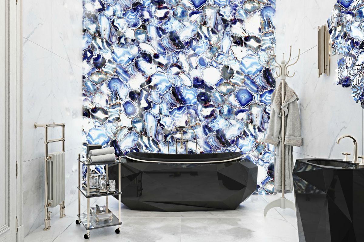 covethouse_6735893_bathroomdiamondbathtuboncrystal.jpg