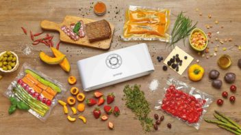 gorenje_vacuum_sealer_vs120w_decorated-1-352x198.jpg
