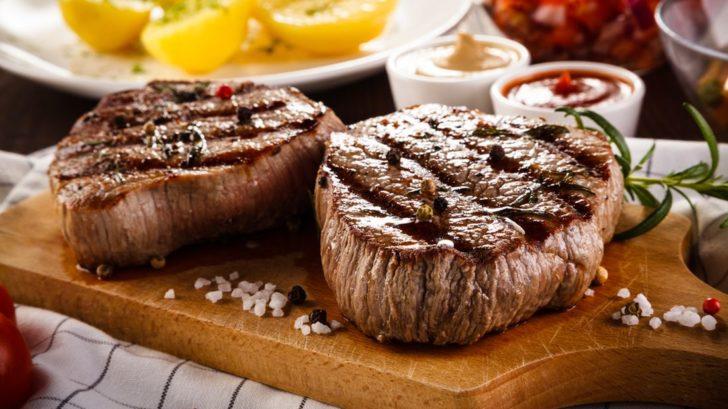 hovezi-steak_shutterstock_636070139-728x409.jpg