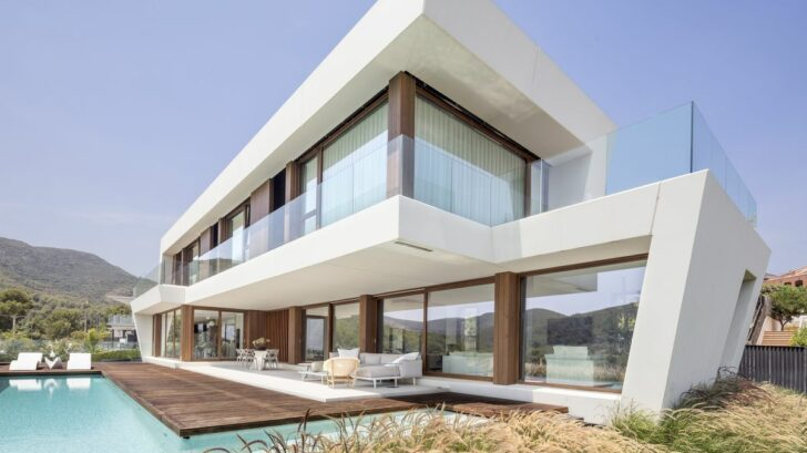 panoramic-house_on-a_images-by-adria-goula_4-728x409.jpg