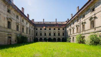 luxent_barokni-zamek-postoloprty_fotografie_02-352x198.jpg