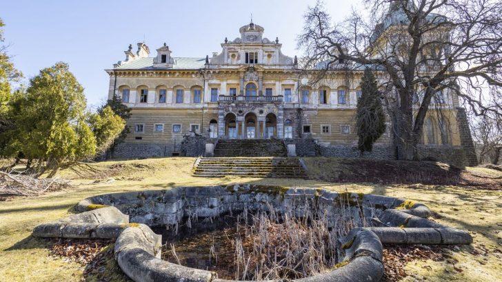 luxent_renesancne-barokni-zamek-struzna_fotografie_02-728x409.jpg