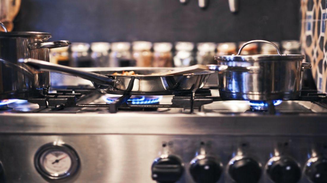 mdd-im-heureka.cz_living.cz_je-výhodnější-vařit-na-plynu-nebo-elektrice-1100x618.jpg