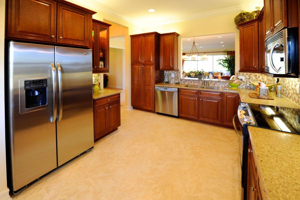 Podlaha vkuchyni – jaká by měla být?