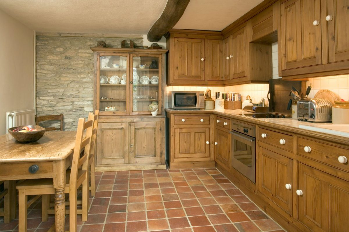 Populární kuchyňský design: venkovský, moderní čiretro styl kuchyně?
