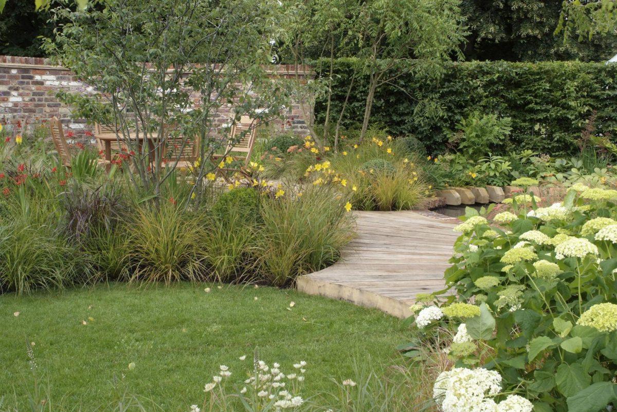 Architekt radí: Co musíte vědět dřív, než začnete plánovat zahradu