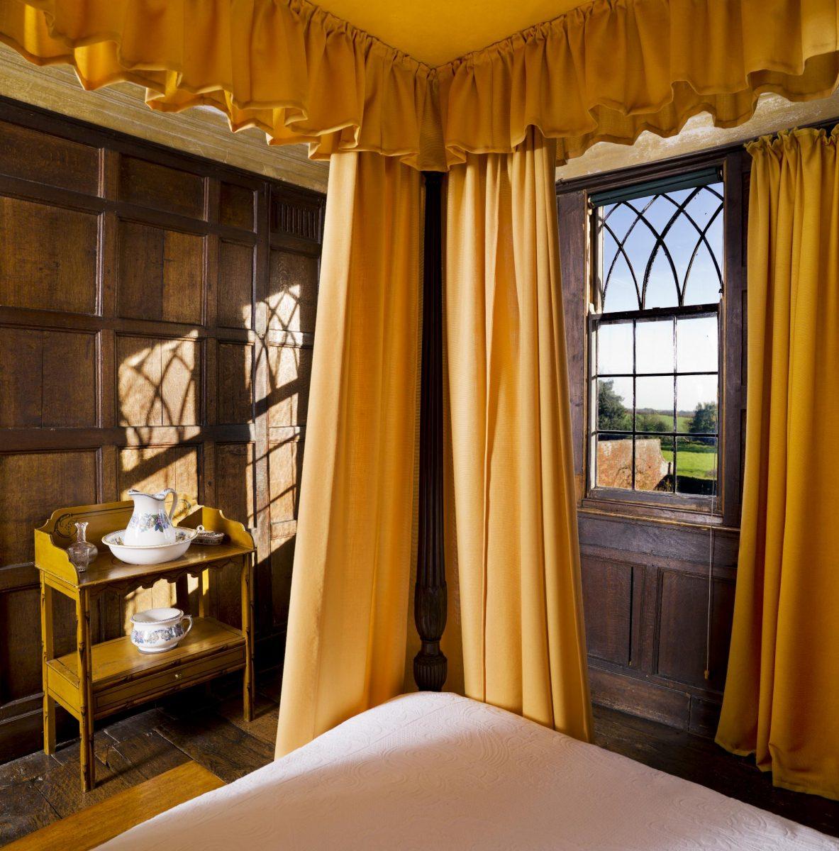 Jaké záclony sluší vašim oknům?