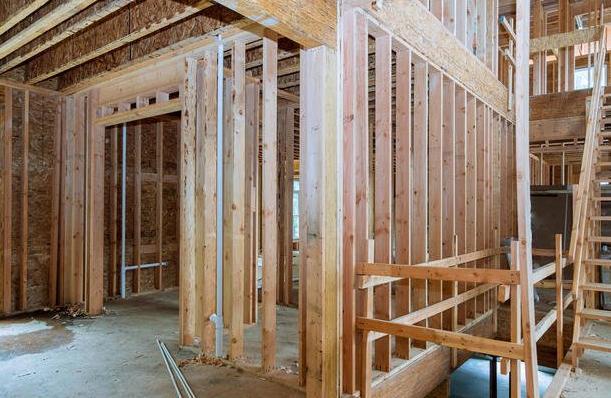 Z čeho postavit dům – levně akvalitně?