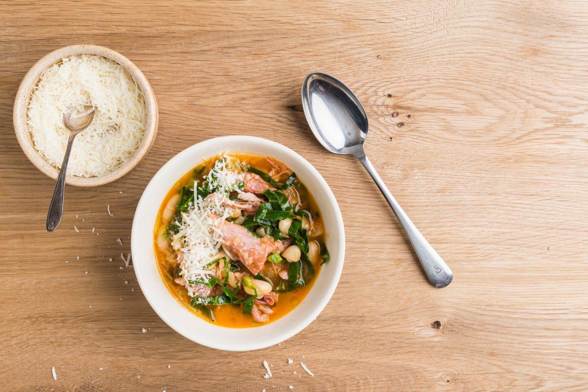 Recepty: Zeleninová polévka se sýrem
