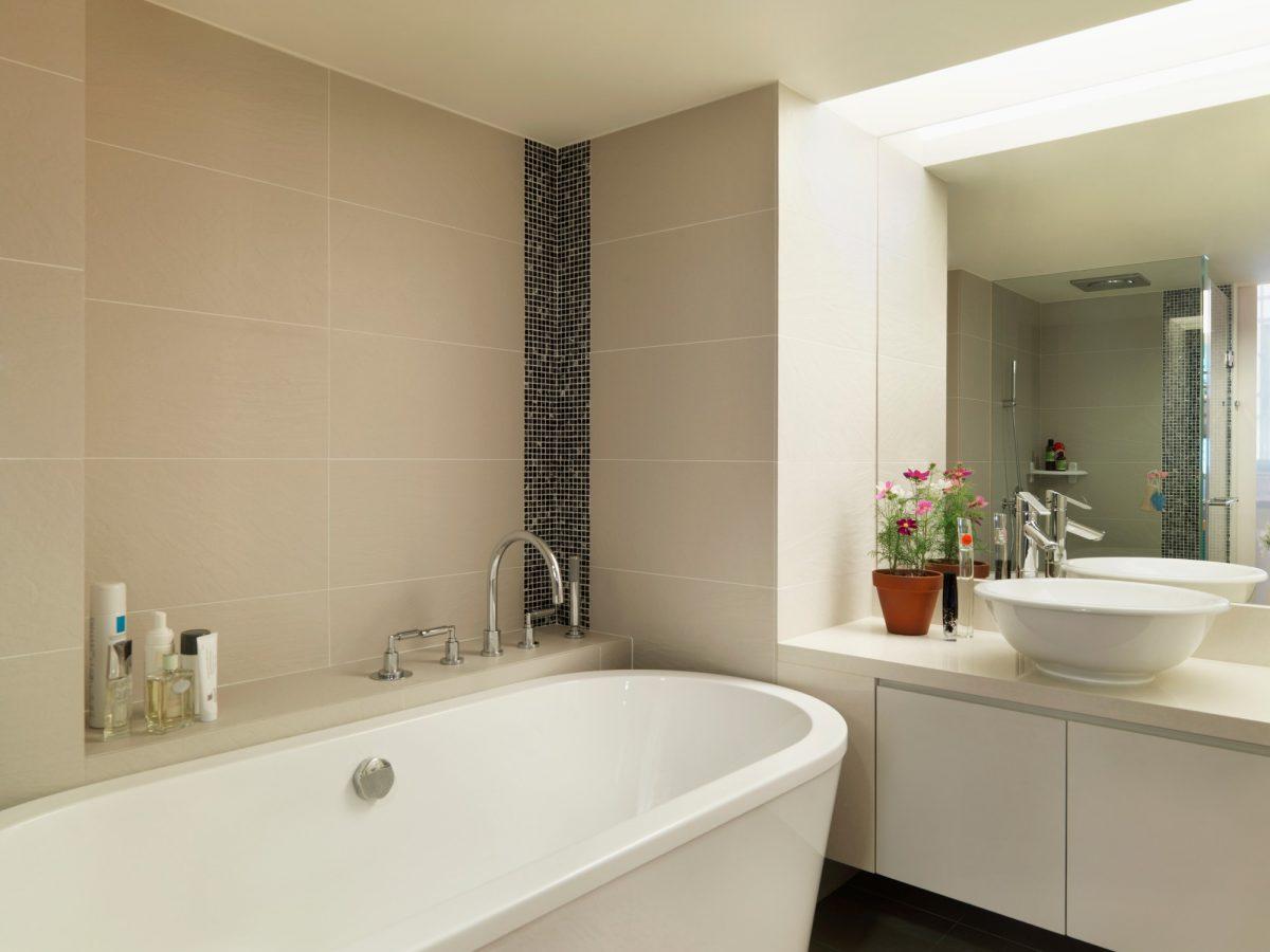 Soutěžní rekonstrukce: Paneláková koupelna vluxusním designu