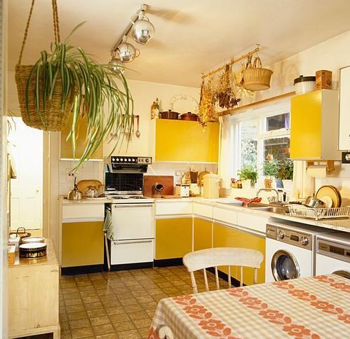 Žlutá kuchyň vám rozzáří byt