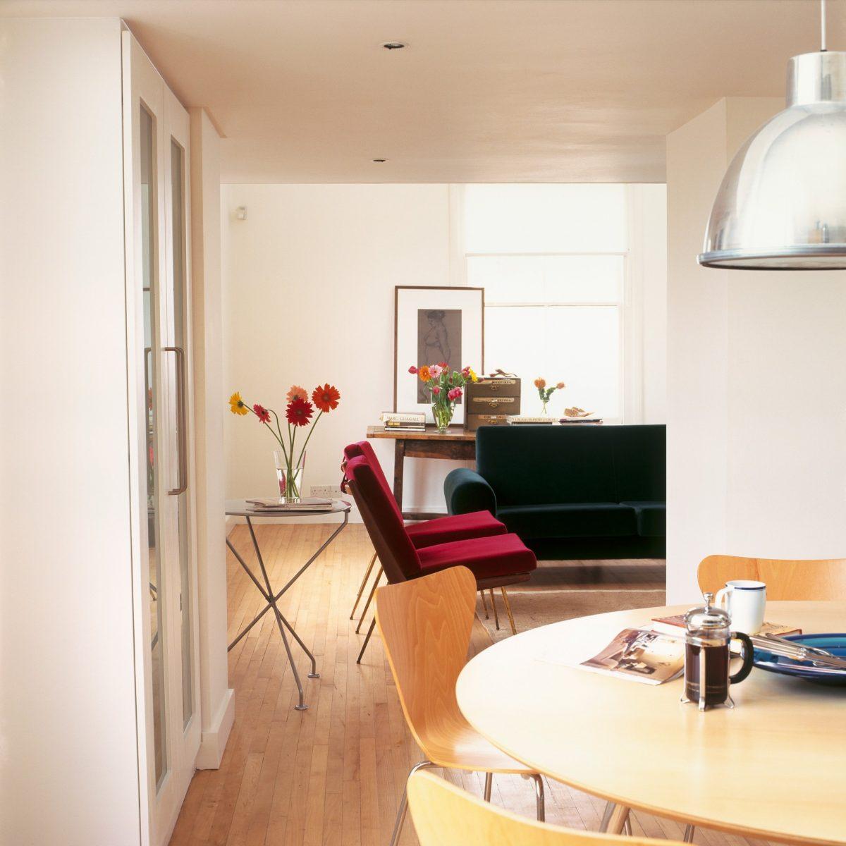 Soutěžní rekonstrukce: Obývák vpanelovém domě převážně jako domácí kino
