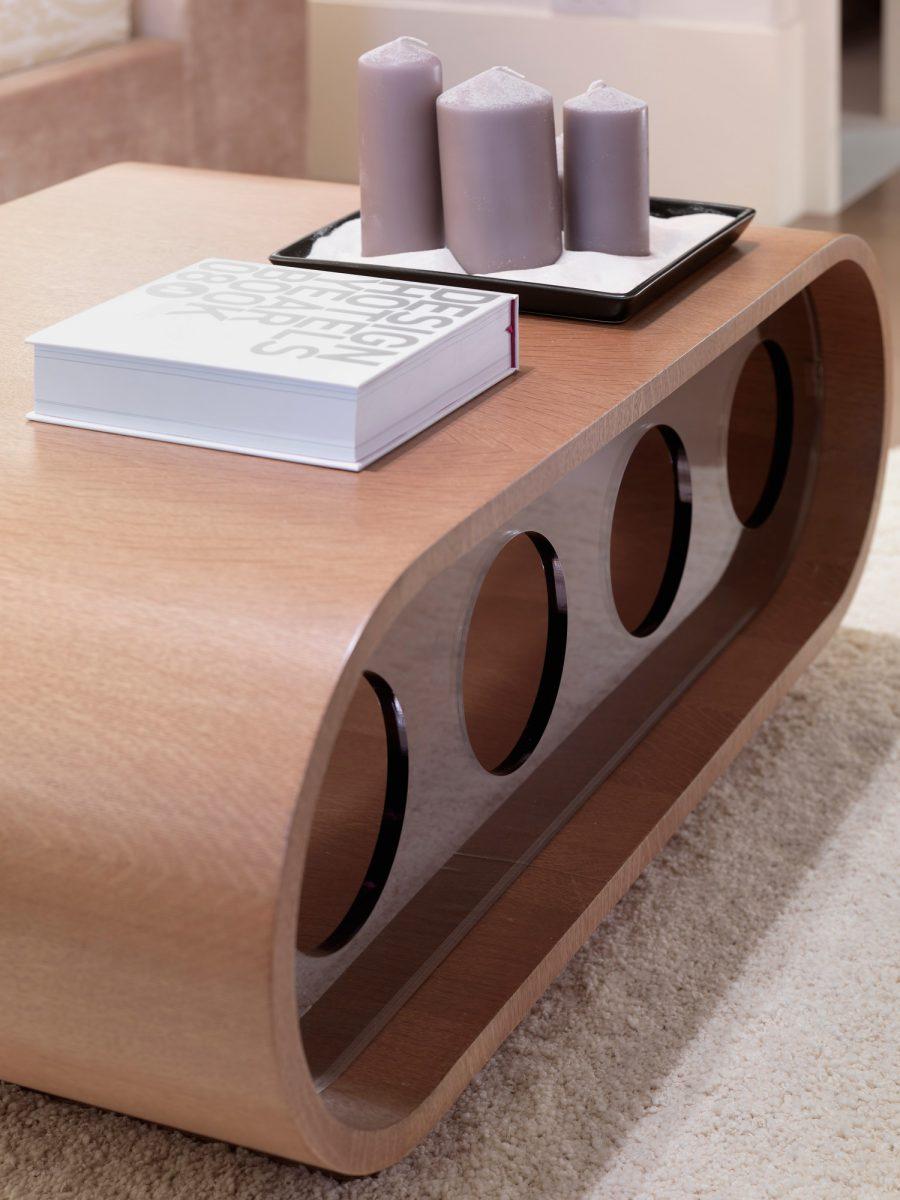 Úžasné ultramoderní stoly